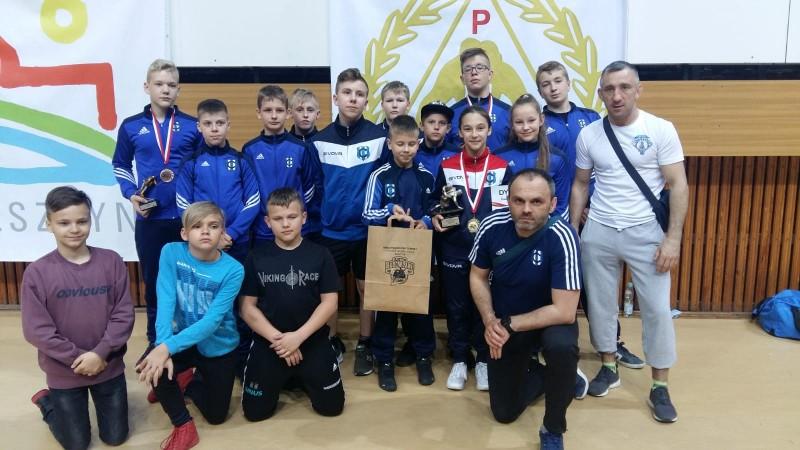 Trzy złote medale kartuskich zapaśników w Olsztynie – Kartuzy.info