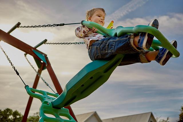 Przegląd placu zabaw czyli dbanie o bezpieczeństwo najmłodszych