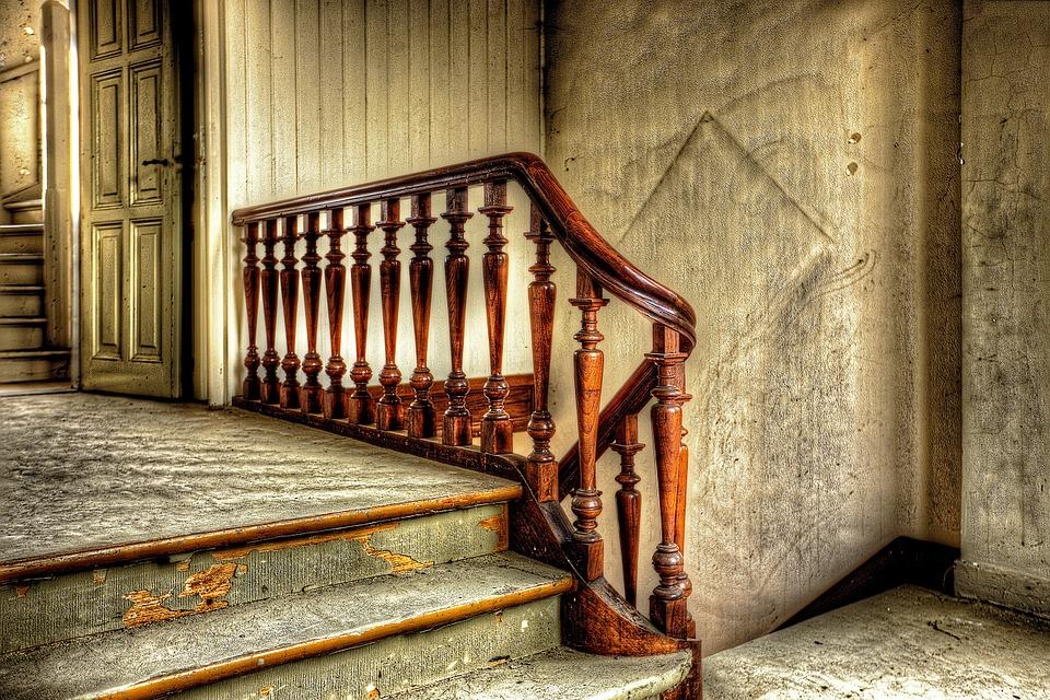 schody, balustrada z drewna