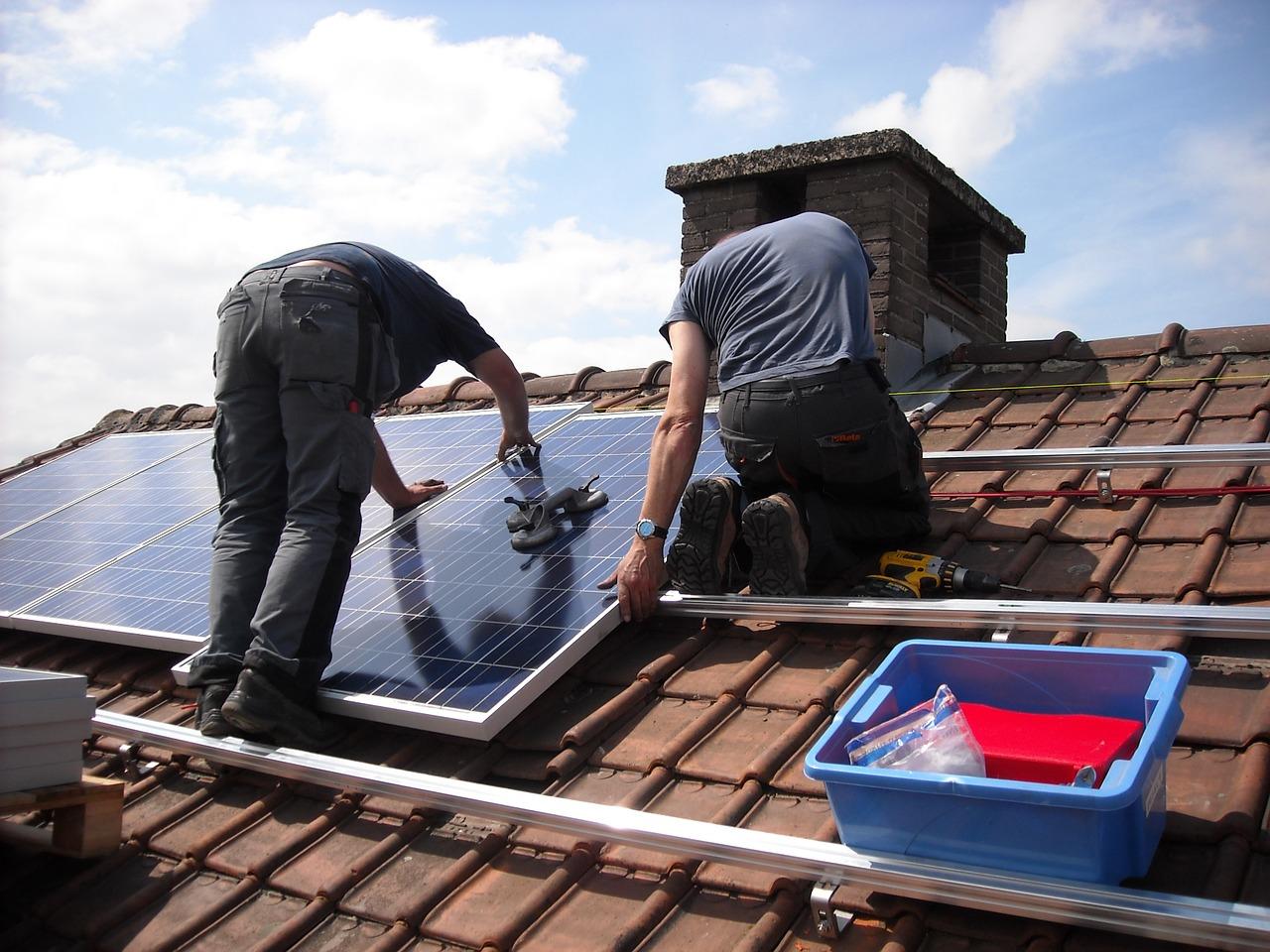 Komu opłaca się inwestować elektrownie słoneczne?