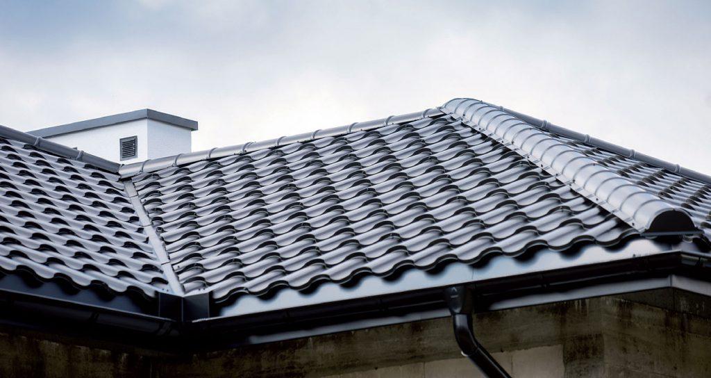 Dachówki płaskie - nowoczesne i funkcjonalne pokrycia dachowe