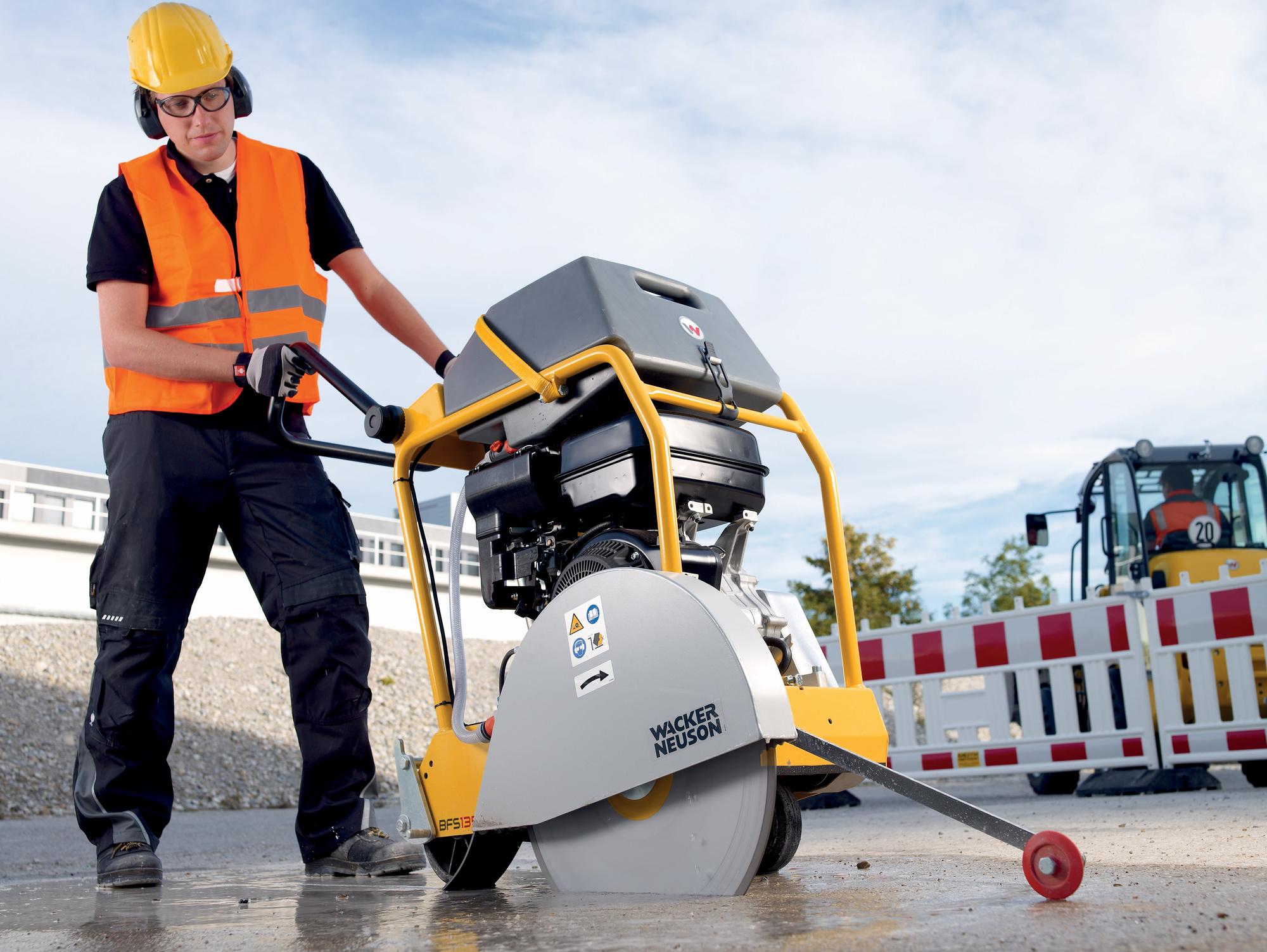 Jak wybrać dobrą piłę do cięcia betonu? Przegląd profesjonalnych pił dla najbardziej wymagających