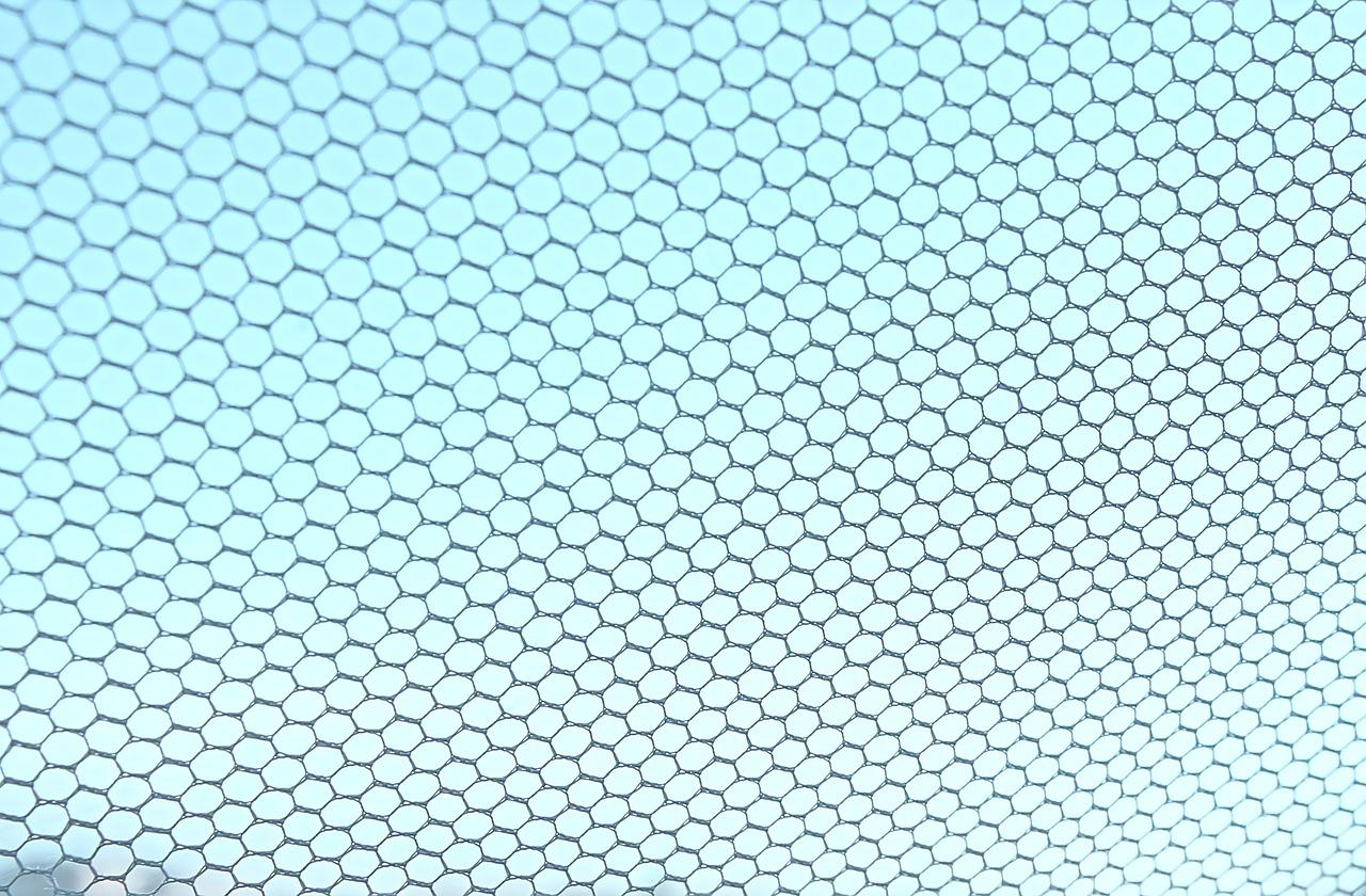 Profesjonalne moskitiery - jak zabezpieczyć się przed owadami?