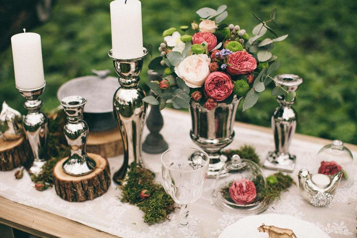 Wykorzystanie plastrów drewnianych jako ozdoby na wesele
